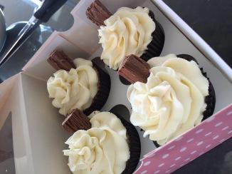 99 flake cupcakes